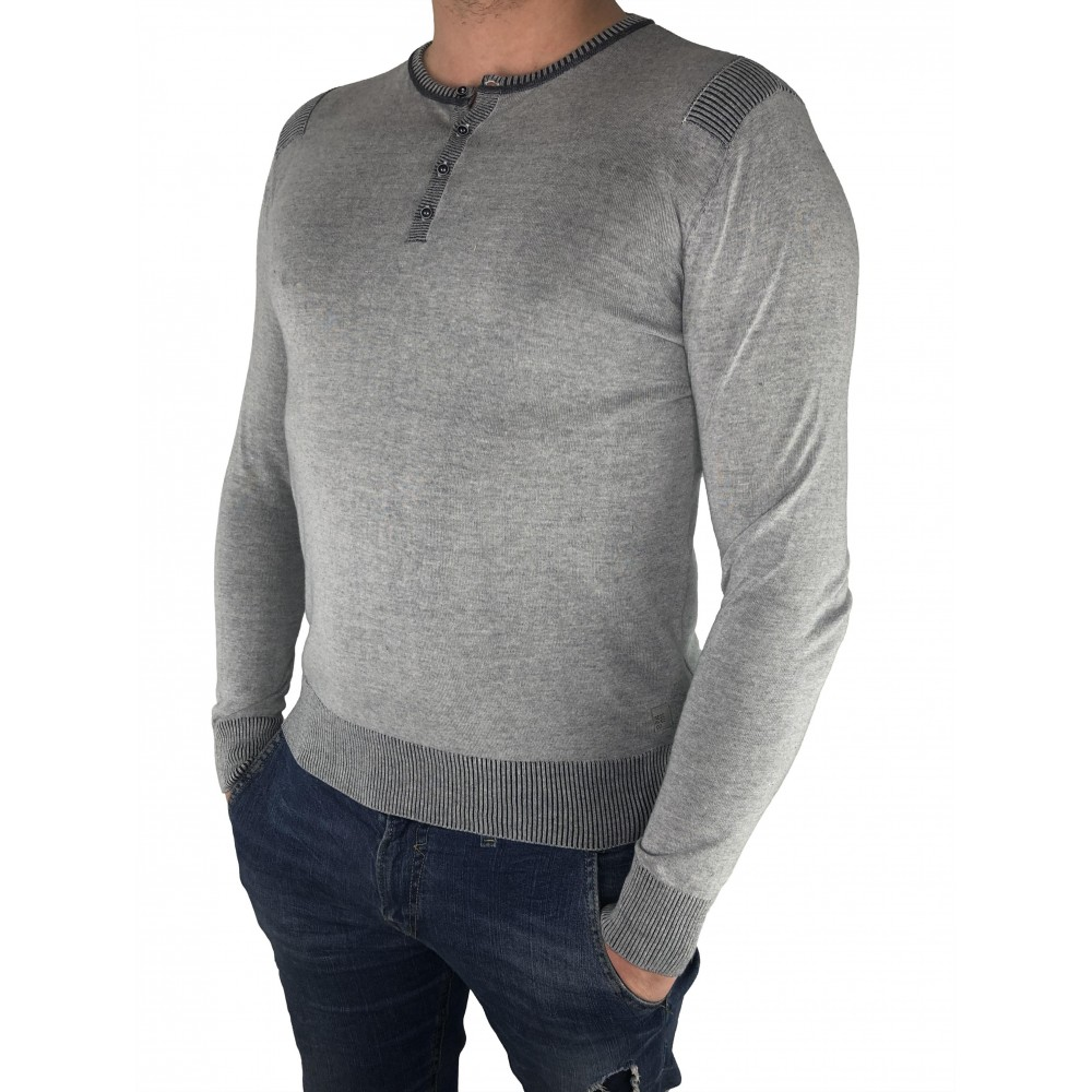 Reserved men's sweater light gray color with button closure at the neck