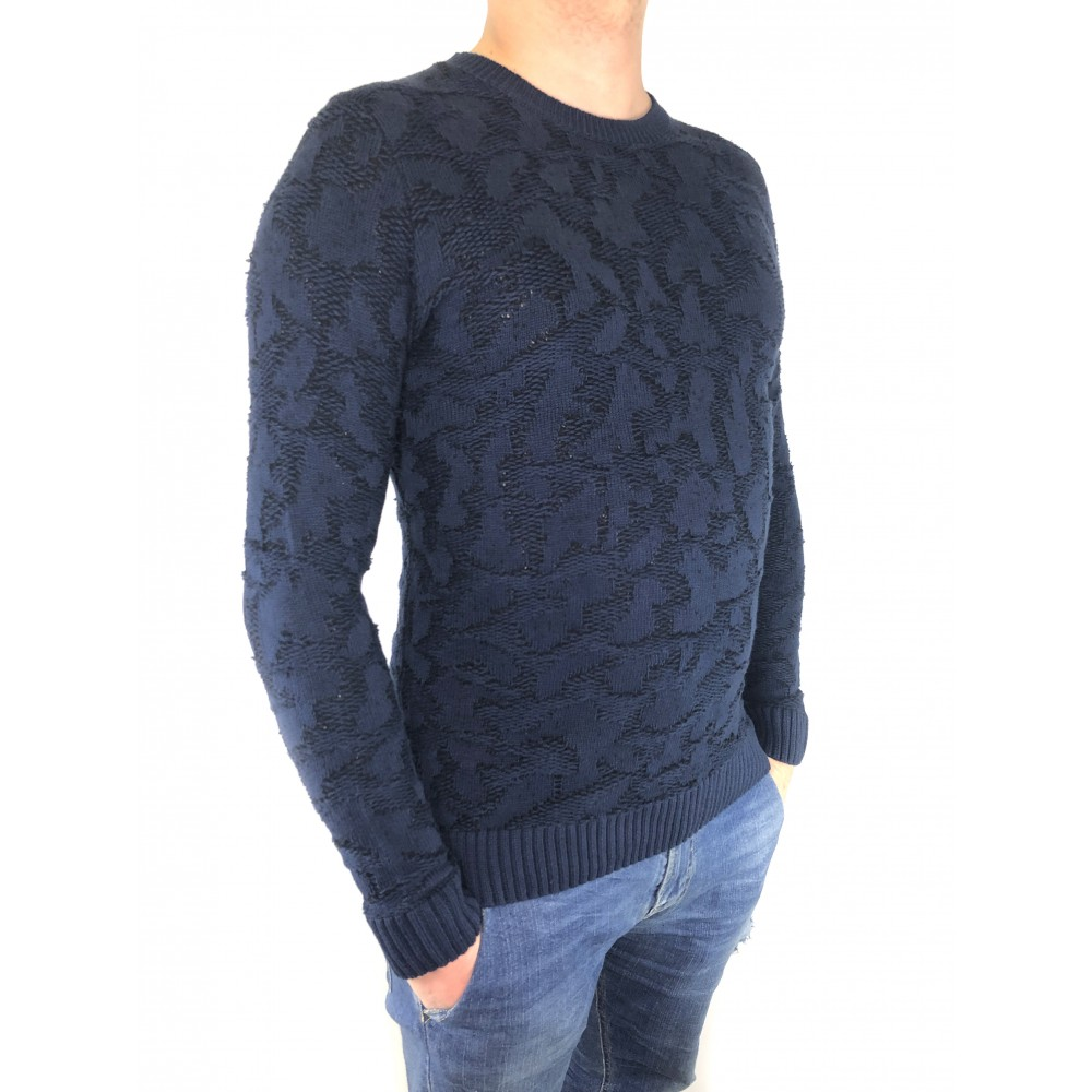 Reserved men's sweater navy blue color with black color ornament