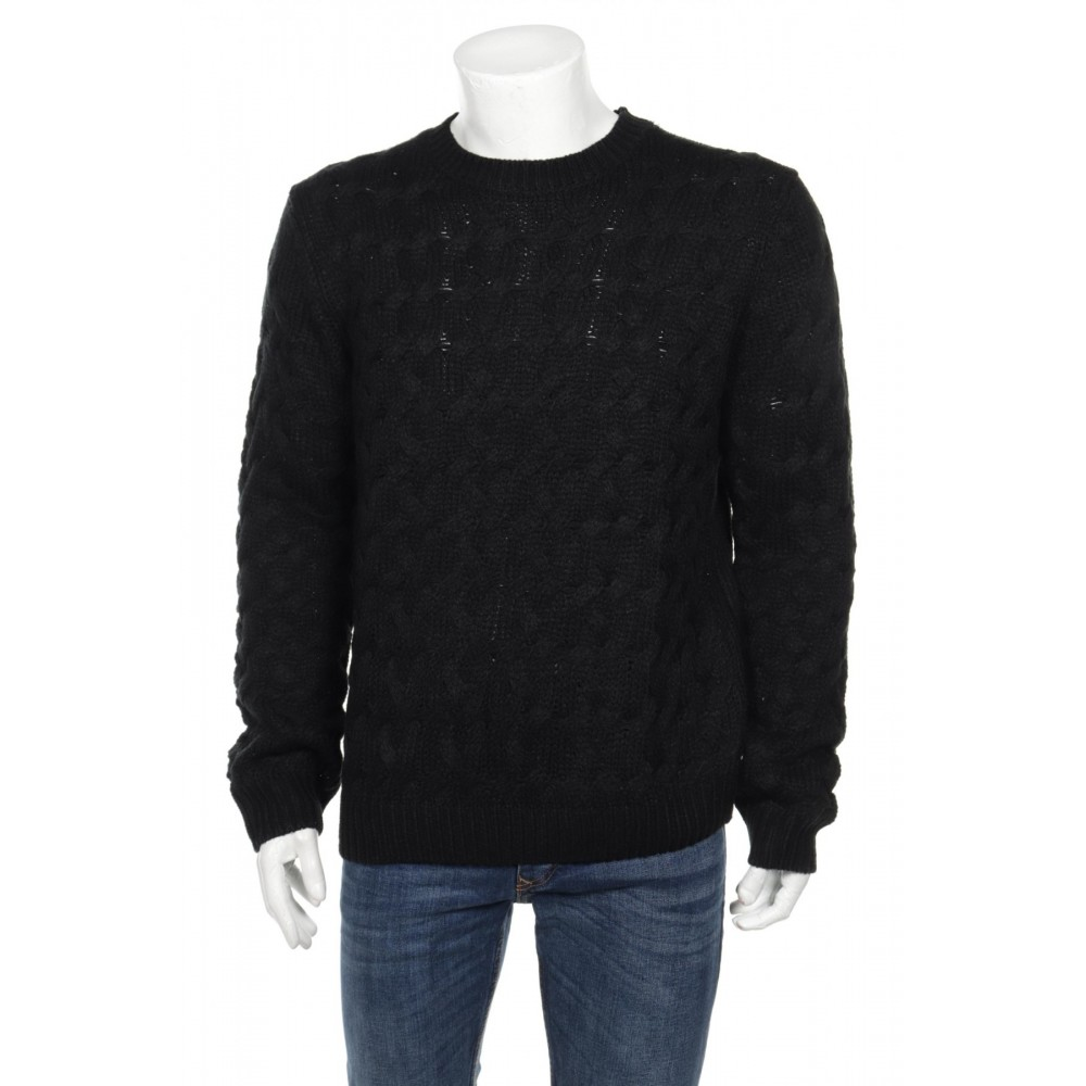 Reserved men's sweater, black color with braided texture