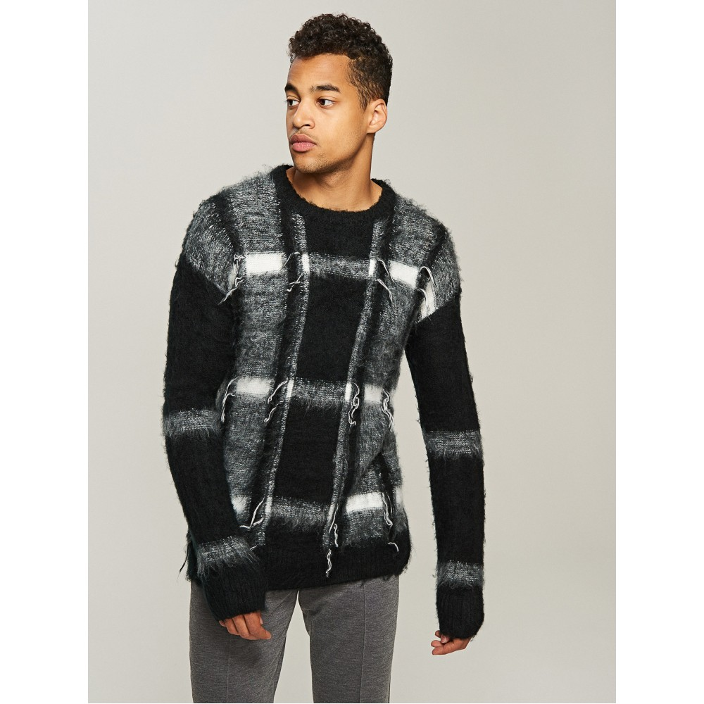 Reserved men's sweater black color with white-gray ornament, long sleeves