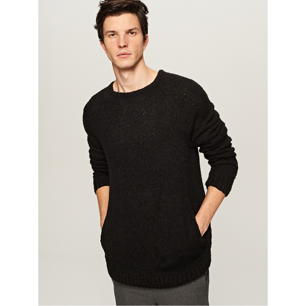 Reserved men's sweater with pockets, black color