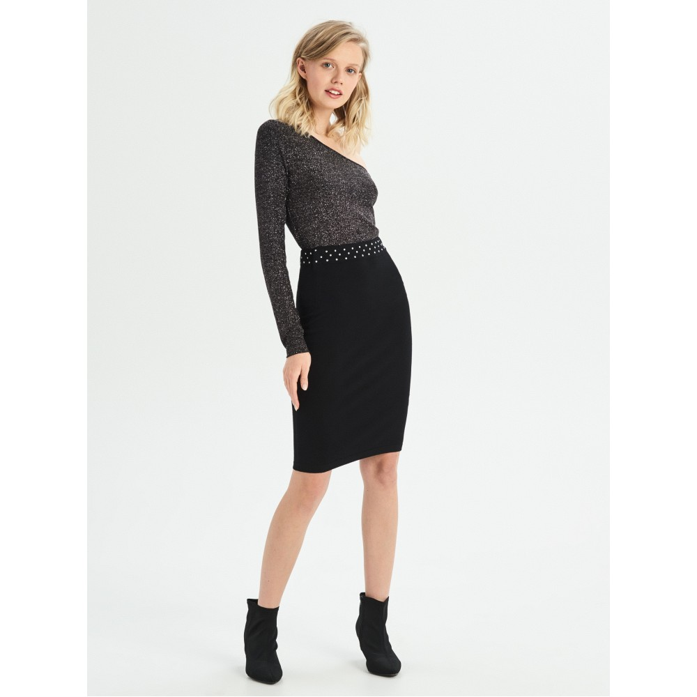 Sinsay women skirt, black color with silver rivets on the waist, skirt over the waist with rubber